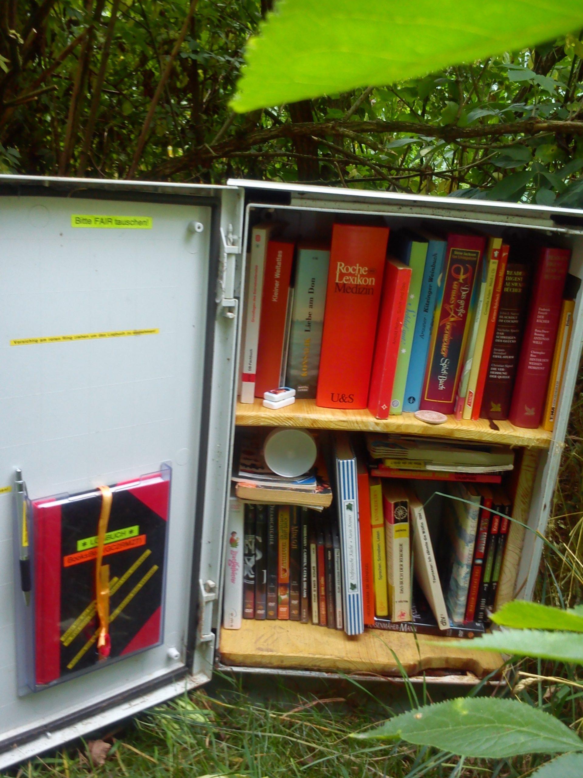 Bücherschrank für Geocacher, Copyright @danlex
